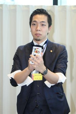 WT2015 テーブルマジックを披露してくれた黒崎博斗氏