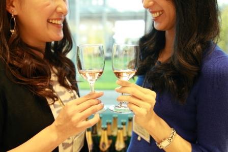 シャンパン 女性2S